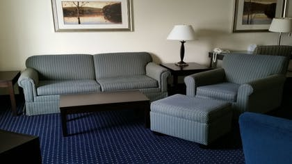 Guestroom | Holiday Inn Express & Suites New Buffalo