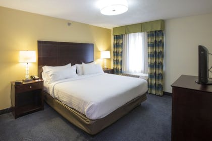 Guestroom | Holiday Inn Express & Suites St Joseph