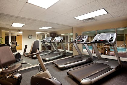 Fitness Facility | Holiday Inn Express & Suites St Joseph