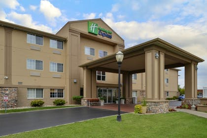 Featured Image | Holiday Inn Express & Suites St Joseph