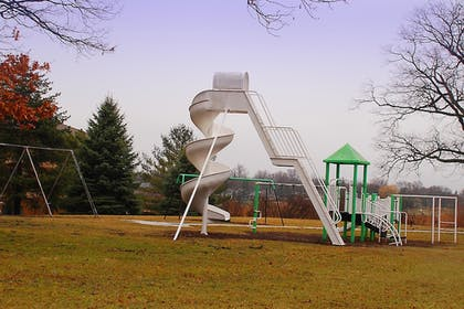 Childrens Play Area - Outdoor | Best Western Port Huron Blue Water Bridge