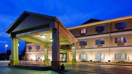 Exterior | Best Western Port Huron Blue Water Bridge