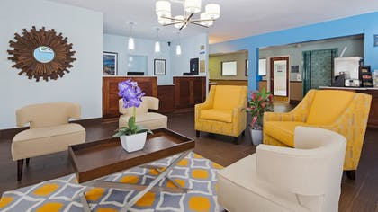 Lobby | Best Western Port Huron Blue Water Bridge