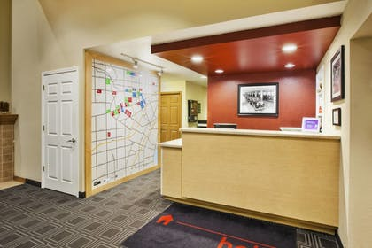 Lobby | TownePlace Suites by Marriott Detroit Dearborn