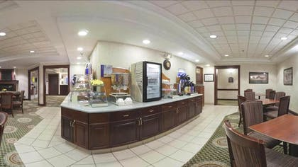 Breakfast Area | Holiday Inn Express & Suites Vadnais Heights
