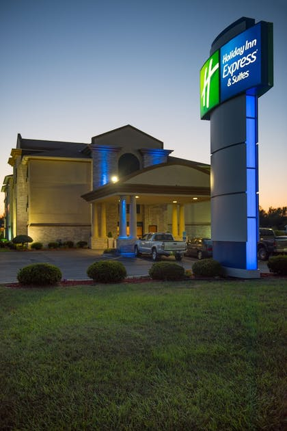 Featured Image | Holiday Inn Express & Suites Wauseon