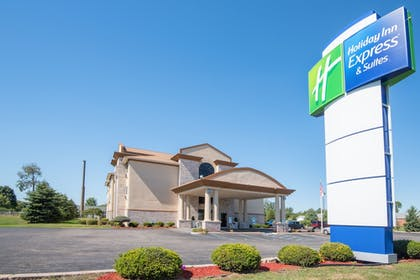 Exterior | Holiday Inn Express & Suites Wauseon