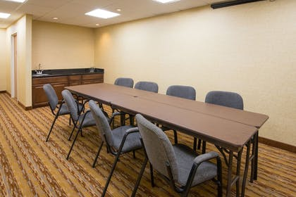 Meeting Facility | Holiday Inn Express & Suites Wauseon