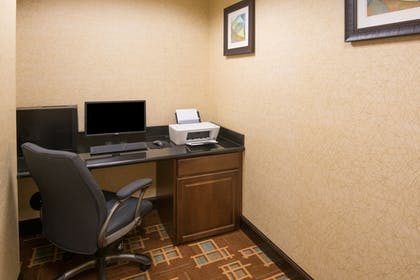 Business Center | Holiday Inn Express & Suites Wauseon