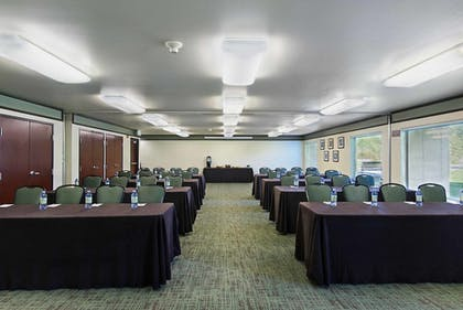 Meeting Facility | Oxford Suites Yakima