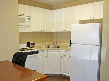 In-Room Kitchen | Extended Stay America - Detroit - Novi - Orchard Hill Place