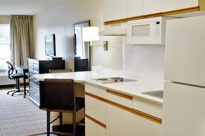 Guestroom | Extended Stay America - Chicago - Vernon Hills -Lincolnshire