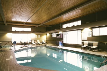 Pool | Holiday Inn Express & Suites Superior