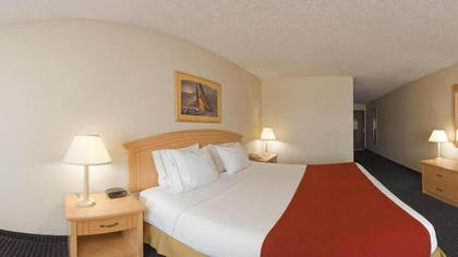 Guestroom | Holiday Inn Express & Suites Superior