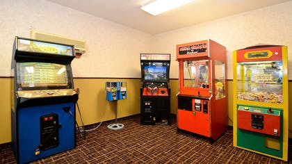 Property Amenity | Holiday Inn Express Hotel & Suites Fort Atkinson