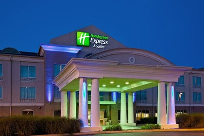 Featured Image | Holiday Inn Express Hotel & Suites Greenwood