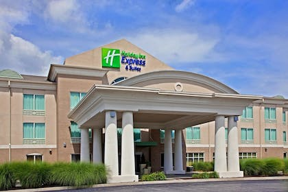 Exterior | Holiday Inn Express Hotel & Suites Greenwood