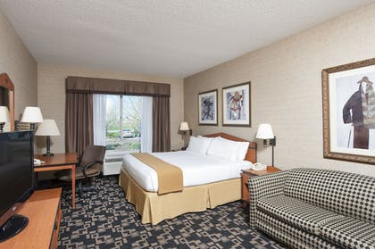 Guestroom | Holiday Inn Express Hotel & Suites Greenwood