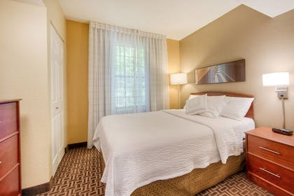 Guestroom | TownePlace Suites by Marriott Charlotte Univ. Research Park