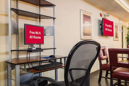 Business Center | Red Roof Inn & Suites Savannah Airport