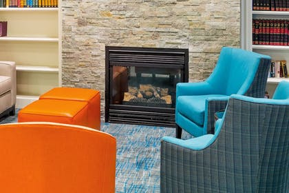 Lobby Sitting Area | Holiday Inn Express Hotel & Suites Mt. Holly
