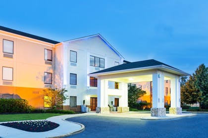 Exterior | Holiday Inn Express Hotel & Suites Mt. Holly