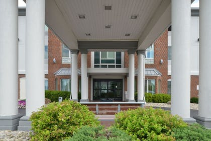 Hotel Front | Holiday Inn Express Hotel & Suites Cincinnati-Blue Ash