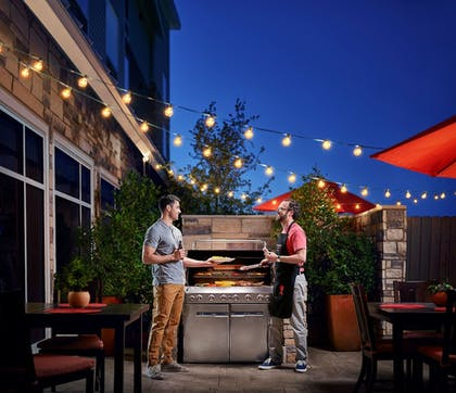BBQ/Picnic Area | TownePlace Suites By Marriott Denver Downtown