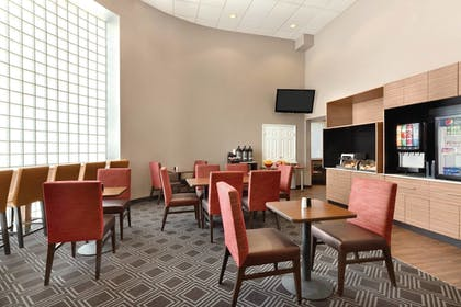 Breakfast Area | TownePlace Suites By Marriott Denver Downtown