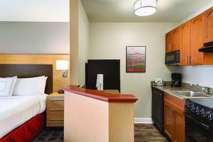Guestroom | TownePlace Suites By Marriott Denver Downtown