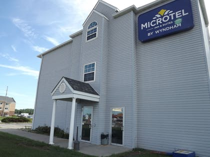 Hotel Front | Microtel Inn & Suites by Wyndham Ames