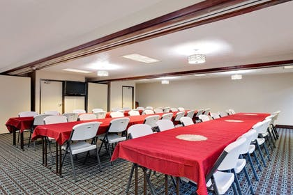 Meeting Facility | Baymon Inn & Suites Iowa City-Coralville