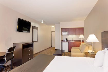 In-Room Kitchenette | Baymon Inn & Suites Iowa City-Coralville