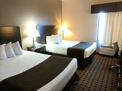 Guestroom | Baymon Inn & Suites Iowa City-Coralville