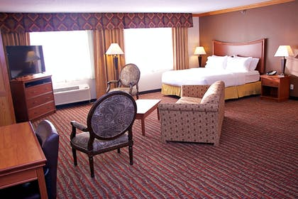 Guestroom | Holiday Inn Express & Suites Fort Pierre