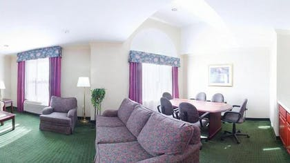 Living Room | Holiday Inn Express Hotel & Suites Amherst-Hadley, MA