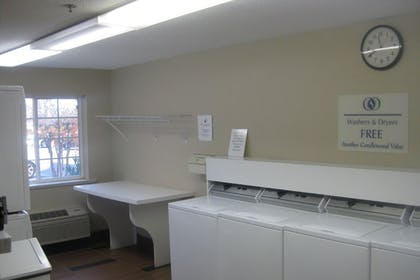 Laundry Room   Candlewood Suites Herndon