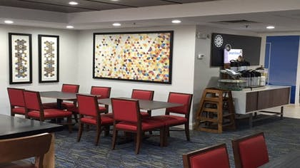 Restaurant | Holiday Inn Express Louisville Northeast