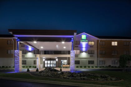 Exterior | Holiday Inn Express Louisville Northeast