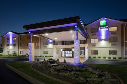 Featured Image | Holiday Inn Express Louisville Northeast