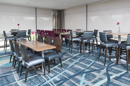 Restaurant | SpringHill Suites Chicago O'Hare by Marriott