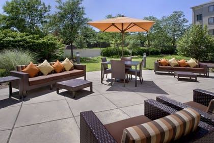 Terrace/Patio | Courtyard by Marriott Philadelphia Plymouth Meeting