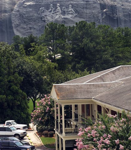 Exterior | Stone Mountain Inn