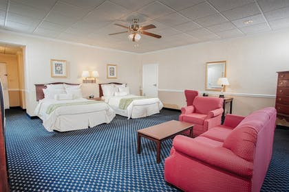 Guestroom | Stone Mountain Inn