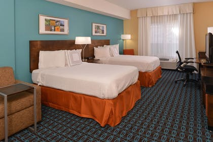 Guestroom | Fairfield Inn and Suites by Marriott Troy Ohio