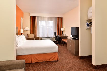 Guestroom | Holiday Inn Express Hotel & Suites Chattanooga-Lookout Mtn
