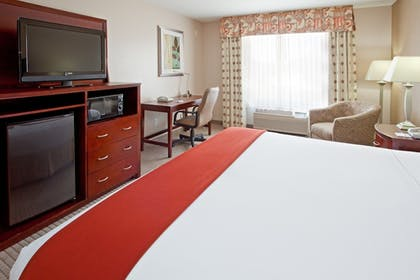 Guestroom | Holiday Inn Express Hotel & Suites College Station