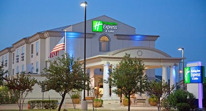 Hotel Front - Evening/Night | Holiday Inn Express Hotel & Suites College Station