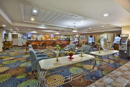 Lobby   Holiday Inn Express Hotel & Suites Belleville