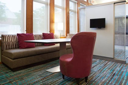 Lobby Sitting Area | Residence Inn by Marriott Pittsburgh Airport